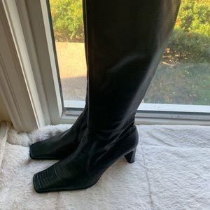 Nine West black polyurethane heeled boots sz 8.5
